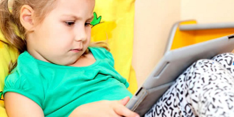 Aparelhos eletrônicos e cuidados com a visão das crianças